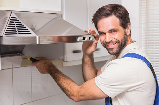 Reparateur Reparation Hotte Aspirante de Cuisine